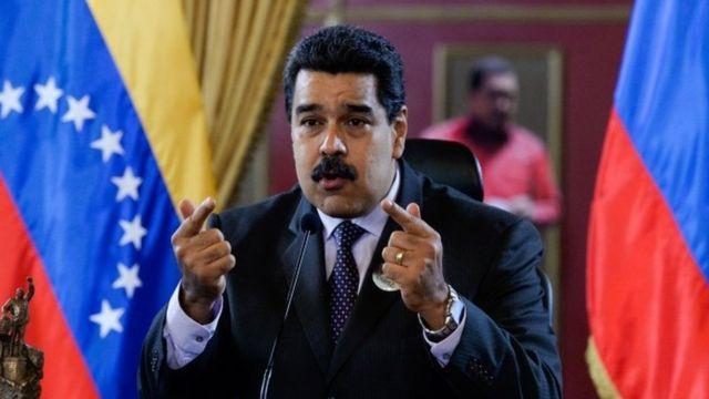ベネズエラで政治・経済の危機が深まるなかでマドゥロ大統領の罷免を求める動きが進む