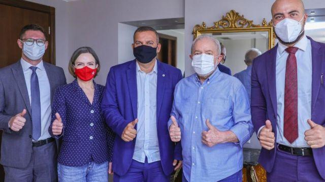 Lula e a presidente do PT, Gleisi Hoffmann, em encontro com o presidente do PROS, Eurípedes de Macedo