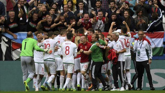 Hungaros celebrando