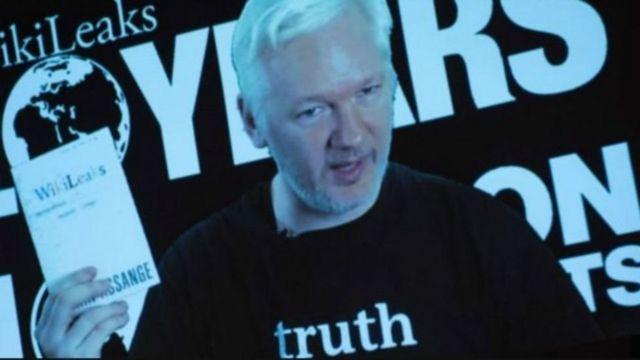 جوليان أسانج مؤسس موقع ويكيليكس
