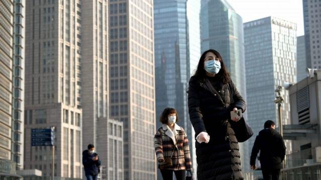 ljudi na ulicama šangaja