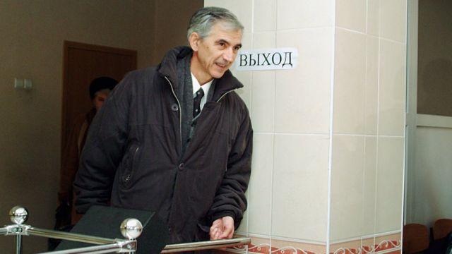 Данилов после заседания суда в Красноярске, на котором присяжные признали его виновным в госизмене