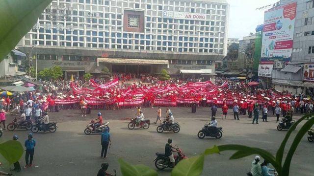 Hơn 2.000 tiểu thương của chợ An Đông, Q.5 TP HCM tham gia cuộc tuần hành sáng 19/9