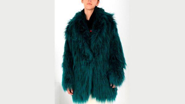 Maison Margiela - один из новых брендов, увлеченных пошивом высококачественных вещей из искусственного меха