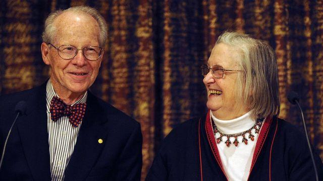 Elinor Ostrom y Oliver Williamson