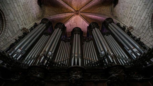 El órgano de Notre Dame tiene unos 8.000 tubos.