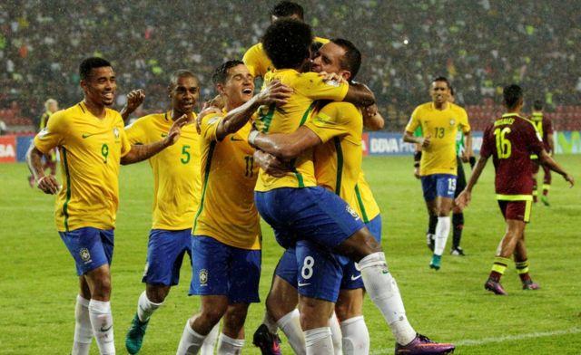 Brasil celebra su segundo gol