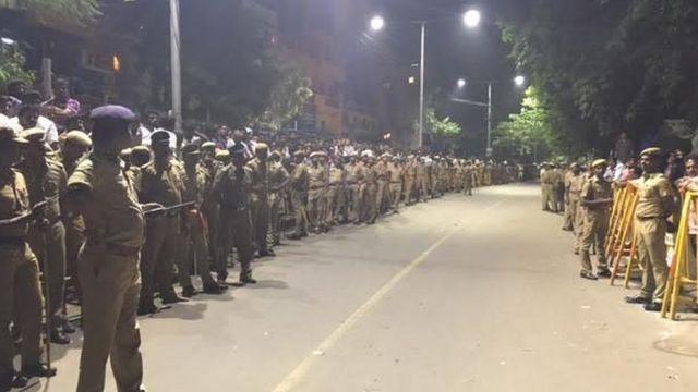 चेन्नई में भारी पुलिस बल तैनात