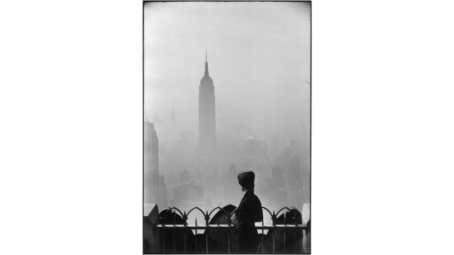 Elliott Erwitt, New York City, Nueva York, 1955, cortesía de Beetles+Huxley, Londres