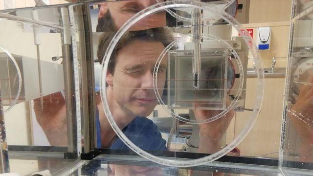 Mark Long en su laboratorio.