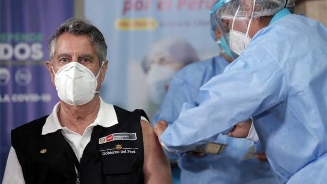 The president of Peru, Francisco Sagasti, being vaccinated against the coronavirus on February 9