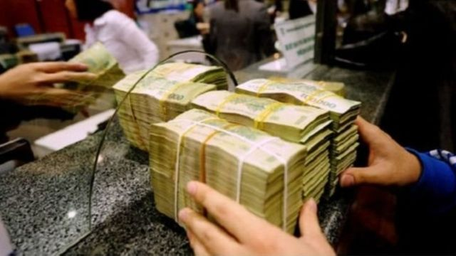 TS Lê Đăng Doanh hy vọng tình hình ngân hàng trong thời gian sắp tới sẽ ổn định hơn