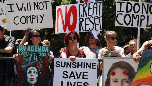 Ativistas anti-lockdown se manifestam contra o Great Reset e a ONU na Nova Zelândia