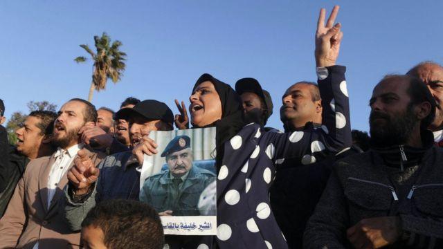 السلطات الليبية في الشرق تبرر قرار الحظر بأنه يهدف لحماية الأمن القومي من الخطر الخارجي