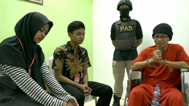 Bom Kedutaan Australia, JI, ISIS, Rois di Nusakambangan.