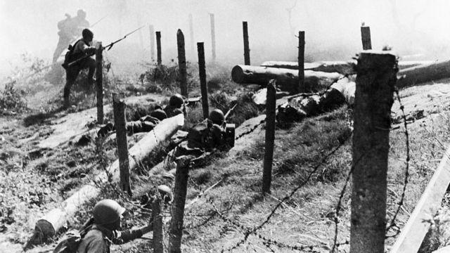 El ejército ruso penetra la frontera con Finlandia en la Guerra de Invierno de 1939