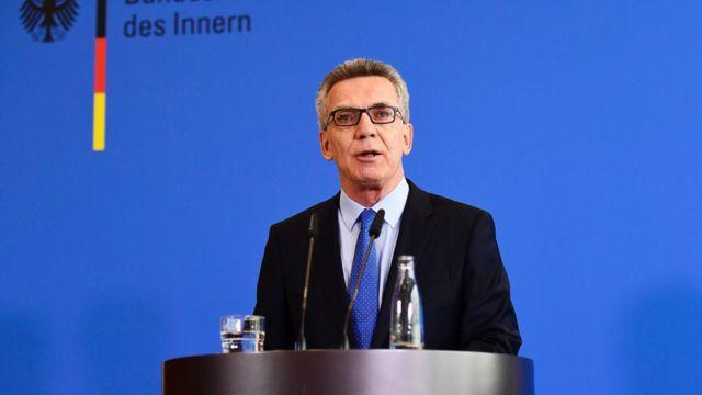 Le ministre allemand de l'Intérieur Thomas de Maizière annonce de nouvelles mesures anti-terroristes à Berlin, 11 août 2016