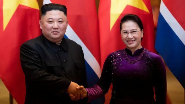Chủ tịch Quốc hội Nguyễn Thị Kim Ngân (phải)