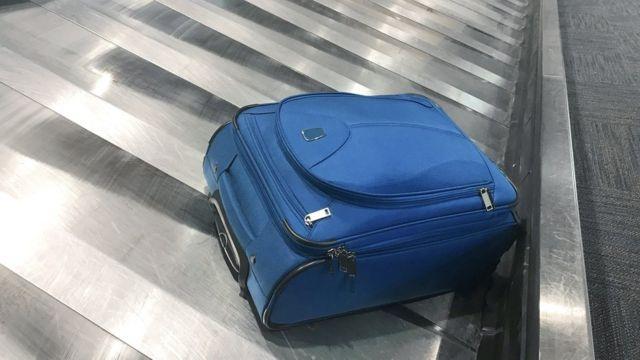 Zašto neki prtljag niko ne podigne? Možda zato što je putnik pokupio pogrešnu torbu