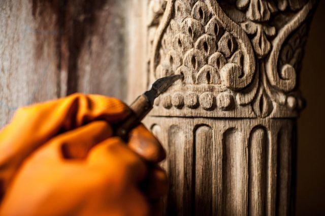 Restoring a doorframe