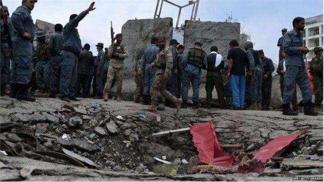 အာဖဂန် တာလီဘန်အဖွဲ့ကို အသုံးပြုပြီး နိုင်ငံခြားရေး မူဝါဒ အကျိုးရှိအောင် အသုံးချနေတယ်လို့ ပါကစ္စတန်က စွပ်စွဲခံနေရ ပါတယ်။