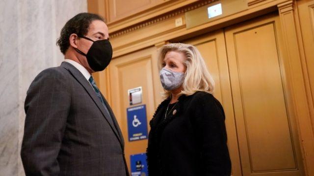 Jamie Raskin ve Liz Cheney in the US Capitol