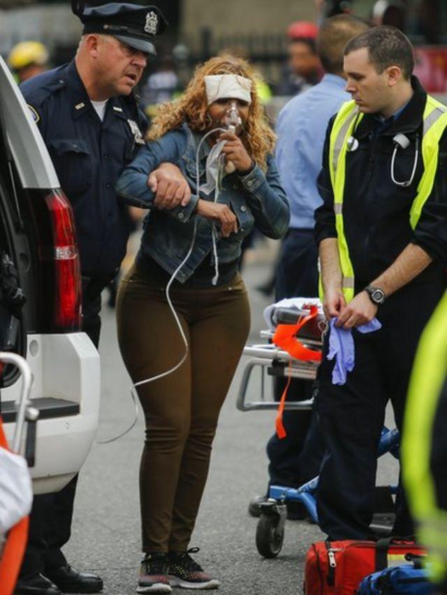 Mujer herida en accidente de tren en Nueva Jersey.