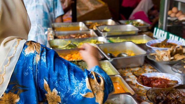 从当地丰富各异的饮食就能看出吉隆坡是个多元文化交融的地方。