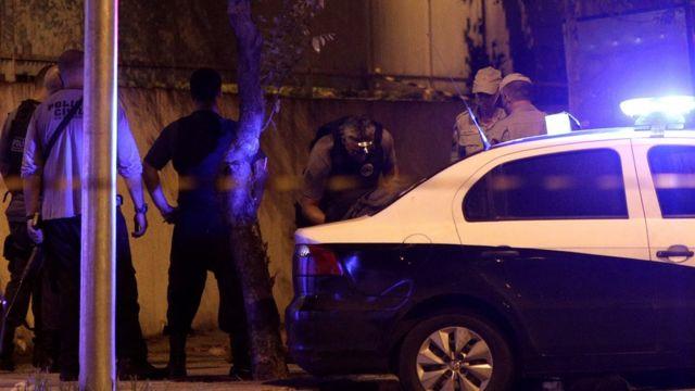 Polícia faz investigação criminal na área do homicídio de Marielle Franco