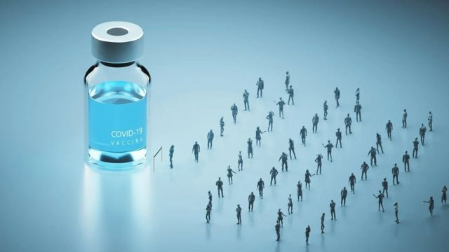 Ilustrasi orang mengantre untuk mendapatkan vaksin Covd-19