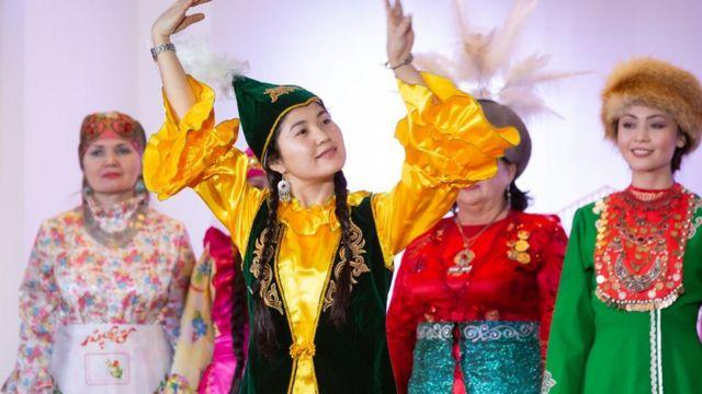 Кыргыздар Москвадагы ар кандай улуттардын маданий иш чараларына активдүү катышып турушат