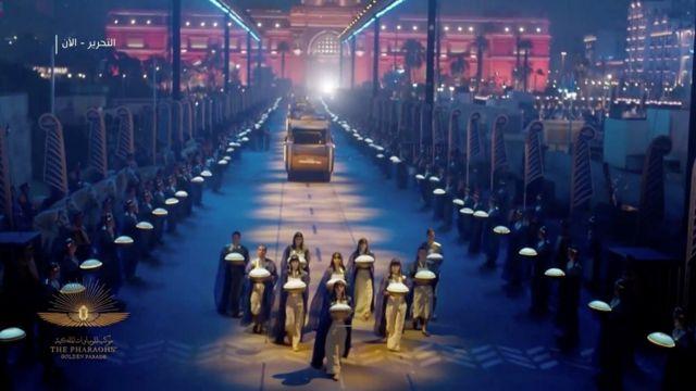 Desfile de los faraones: el extraordinario traslado de las momias y reyes de Egipto por las calles de El Cairo - BBC News Mundo