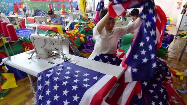 Một nhà máy làm cờ Mỹ ở tỉnh An Huy, Trung Quốc