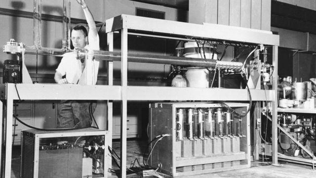যুক্তরাষ্ট্রের লস আলামস ন্যাশনাল ল্যাবরেটরী। পরমাণু বোমা তৈরির অনেক গবেষণা চালানো হয়েছে এখানে।