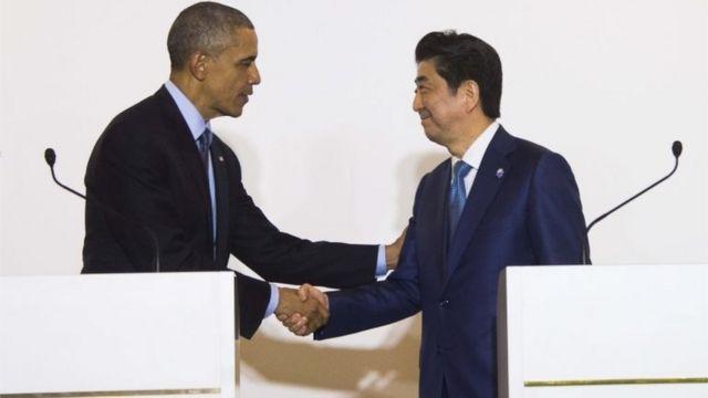 共同記者会見したオバマ大統領と安倍首相(25日)