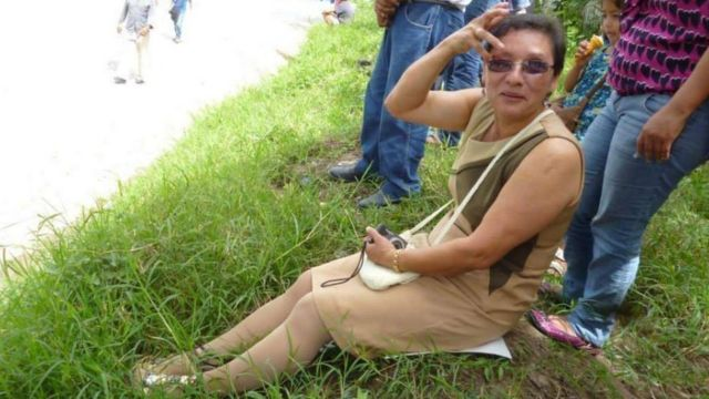 Lesbia Urquía