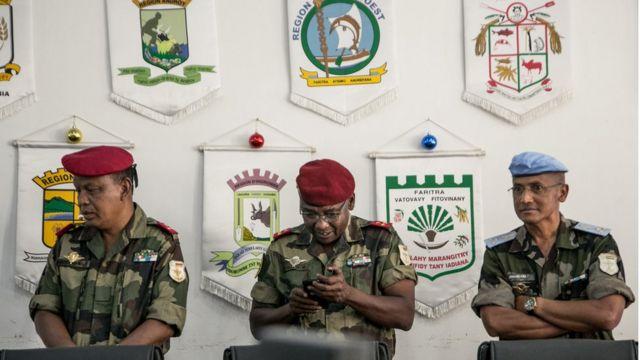 非洲軍事部隊受訓。