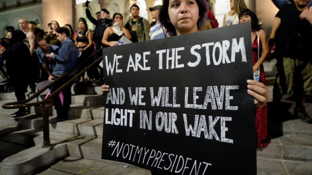ट्रंप के राष्ट्रपति चुने जाने के बाद अमरीका में कई जगहों पर ट्रंप के विरोध में रैलियां निकाली गईं