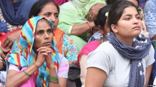 ਰਾਮ ਰਹੀਮ ਦੇ ਸਮਰਥਕ ਉਸ ਸਮੇਂ (25 ਅਗਸਤ, 2017) ਪੰਚਕੂਲਾ ਦੀਆਂ ਸੜਕਾਂ 'ਤੇ ਇਕੱਠੇ ਹੋ ਗਏ ਸਨ