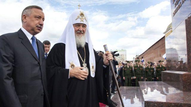 На должности полпреда Беглов (слева) занимался все больше взаимодействием с РПЦ. Август 2015 г.