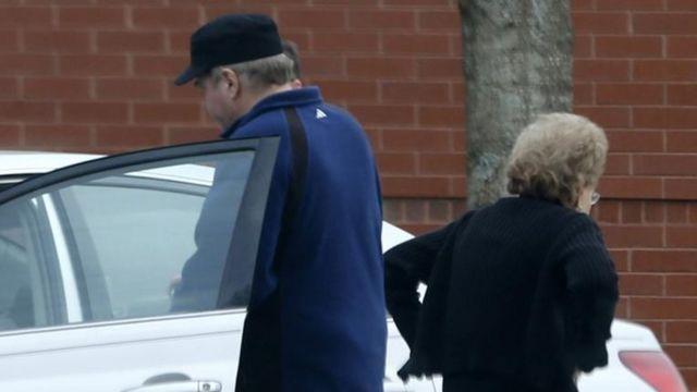 John Hinckley Jr será liberado aunque con restricciones, según ordenó el juez.