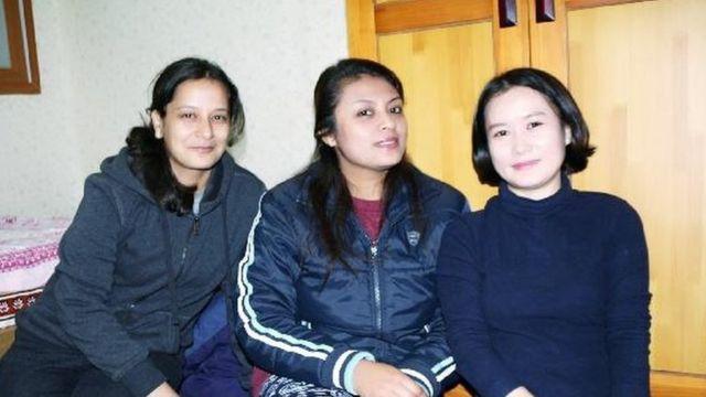 नेपाली विद्यार्थीसँग किम हाना