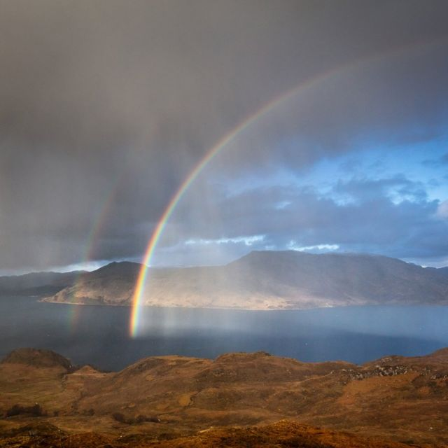 Duga iznad jezera Nevis i Nojdarta