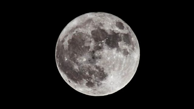 NASA는 이미 달 표면에 대해 상세하게 탐사했지만, 물이 어느 곳보다 풍부하게 존재하고 있음에 달 기지의 위치를 결정 짓는 것이다