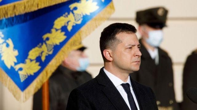 """""""Далі буде цікавіше"""" і """"сигнал для олігархів"""". Реакція на санкції щодо Медведчука і Марченко"""