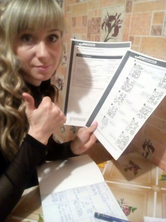 Irina en una de sus clases de inglés