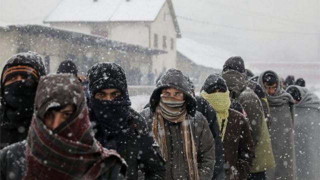يواجه اللاجئون درجات حرارة تصل إلى 16 تحت الصفر