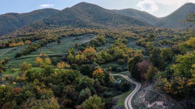 Xocavəndin 340 nəfər əhalisi olan Düdükçü kəndi. Sakinlərinin əksəriyyəti maldarlıq və əkinçiliklə məşğuldur.