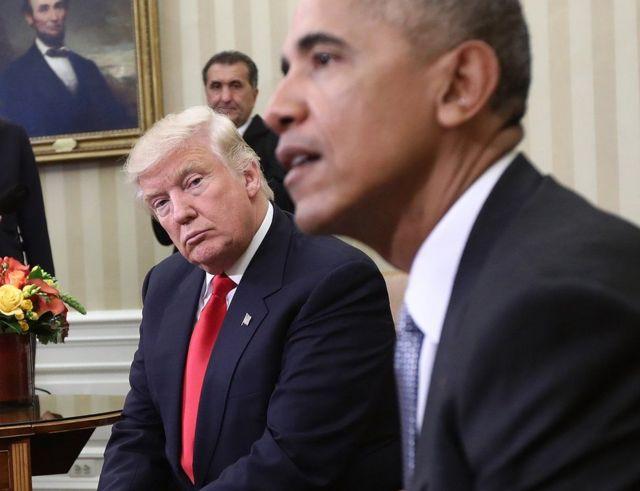 ترامب ينظر إلى أوباما