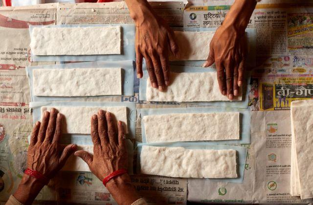 தற்போது இந்த கிராமத்தின் 70% பெண்கள் மாதவிடாயின் போது நாப்கின்களை பயன்படுத்துகின்றனர்